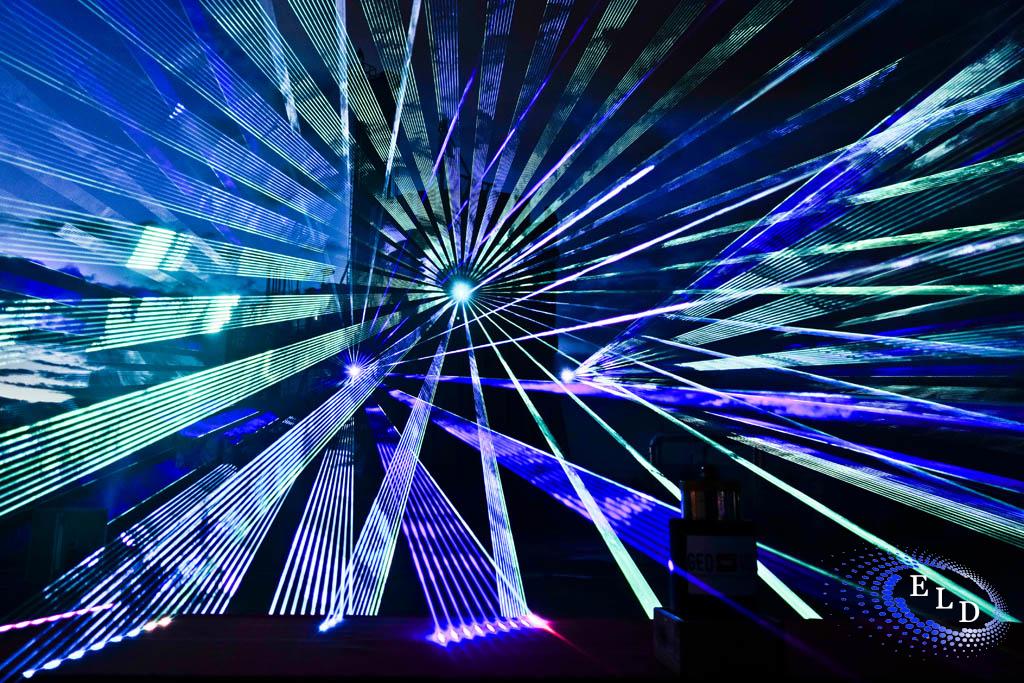 5fd0268e38387_2014-10-Geovol-laser-show-0007