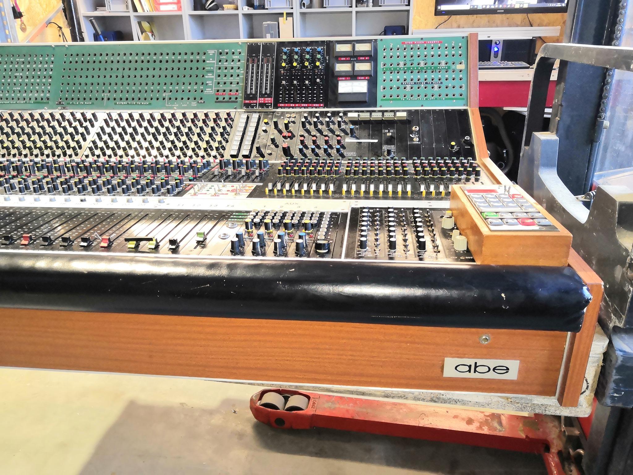 603aa9e193ed6_backlinerent.de_telefuken-abe-original-recording-desk-das-boot-klaus-doldinger